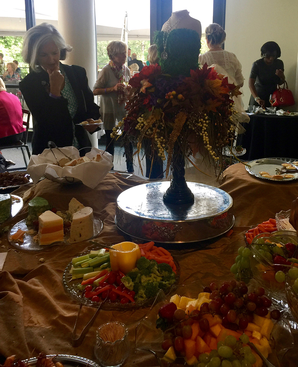 buffet_table